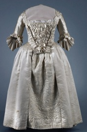 Gown, ca. 1765. CW 1985-117,1