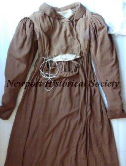 Brown silk Quaker Dress, Newport Historical Society, D77