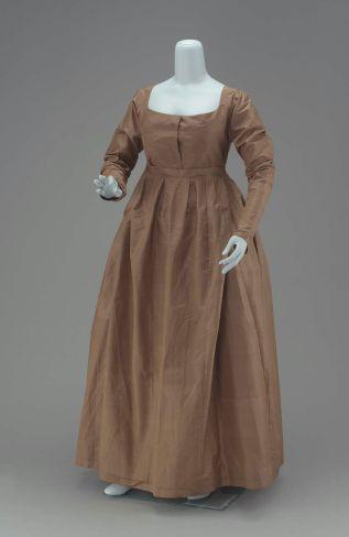 A Quaker's dress of greenish-brown taffeta American, Early 19th century. MFA Boston. 52.1769