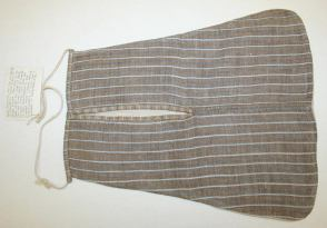 Pocket, 1789 American  linen  Gift of Miss Blanche Vedder-Wood, 1940  MMA Costume Institute C.I.40.159.4