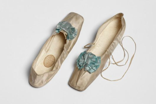 Pair of slippers. 1825-1849. Paul Hase, Paris. V&A 1153&A-1901
